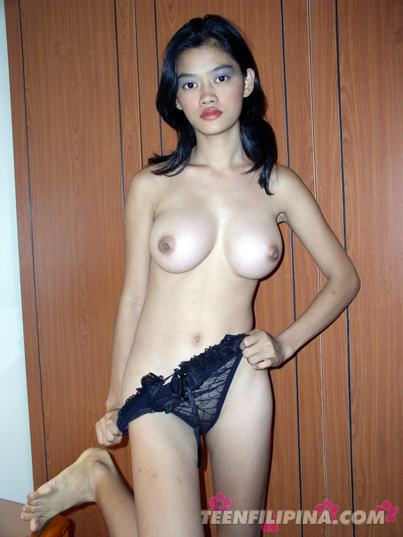 sexy-filipina-babe-sports-the-best-breasts-in-asia